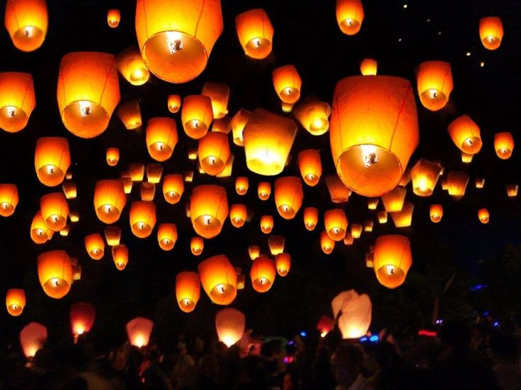 Best 25+ Sky lanterns ideas on Pinterest | Floating ...