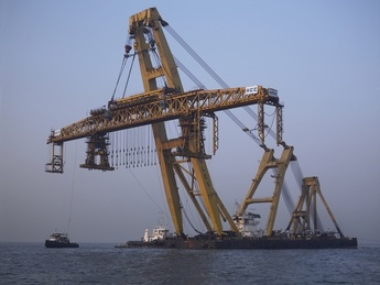 Scheduled to be completed in 3Q 2013, the 5,000-tonne floating crane will be the largest and most versatile heavy lift sheerleg crane vessel of its kind in the world. To be named Asian Hercules III, the self-propelled vessel will have enough power to lift a weight equal to over 5,000 saloon cars