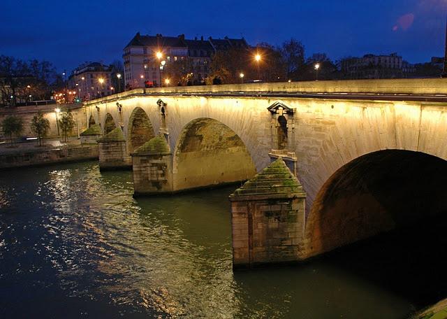Pont Marie. The bridge of Lovers