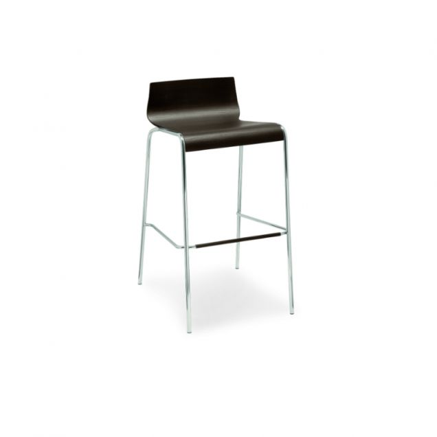 Online is a high stool that is perfect for wine-bar tables. The seat of this Calligaris stool curves up at the back and down at the front and is available in a range of different finishes. The 4 metal legs are slender, stylish yet highly sturdy