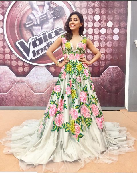 Neeti Mohan ,Bollywood Singer In An Embroidered Gown.She Used In Voice India Kids