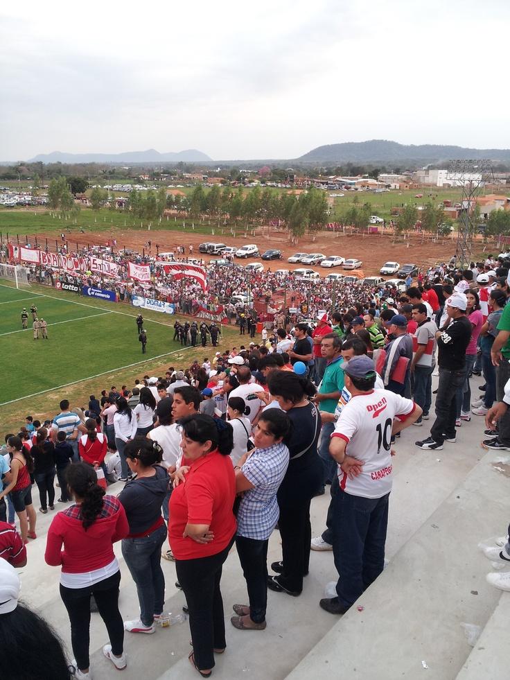 La multitud en el municipal.