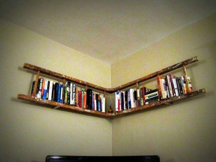 van+antieke+houten+ladder+naar+een+boekenplank