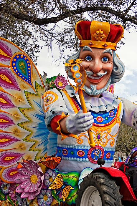 Jonathan owner of studio 3 in New Orleans designed and built this float. I used to work with them and did many a show and parade. Rex Parade, Mardi Gras, New Orleans