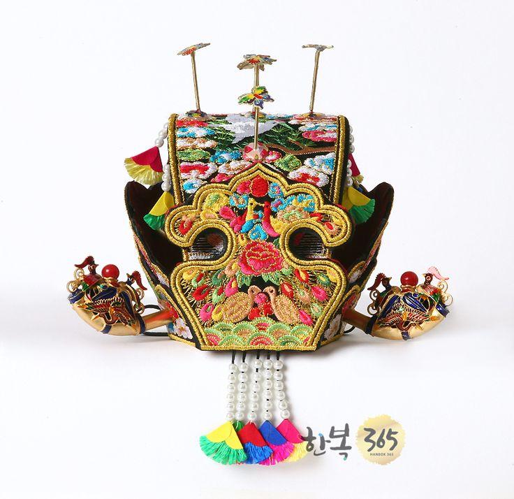 SONJJANG HANBOK - korean clothes, women hanbok, men hanbok, traditional wedding dress Jokduri bridal headpiece
