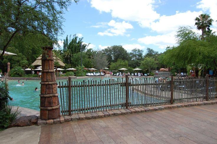 Disney's Animal Kingdom Lodge Uzima Pool - www.buildabettermousetrip.com