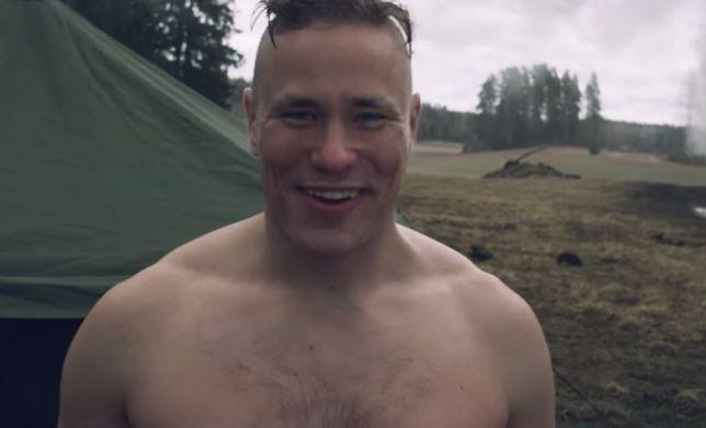Weird video to call Arnold Schwarzenegger to a gun store in Finland for a visit