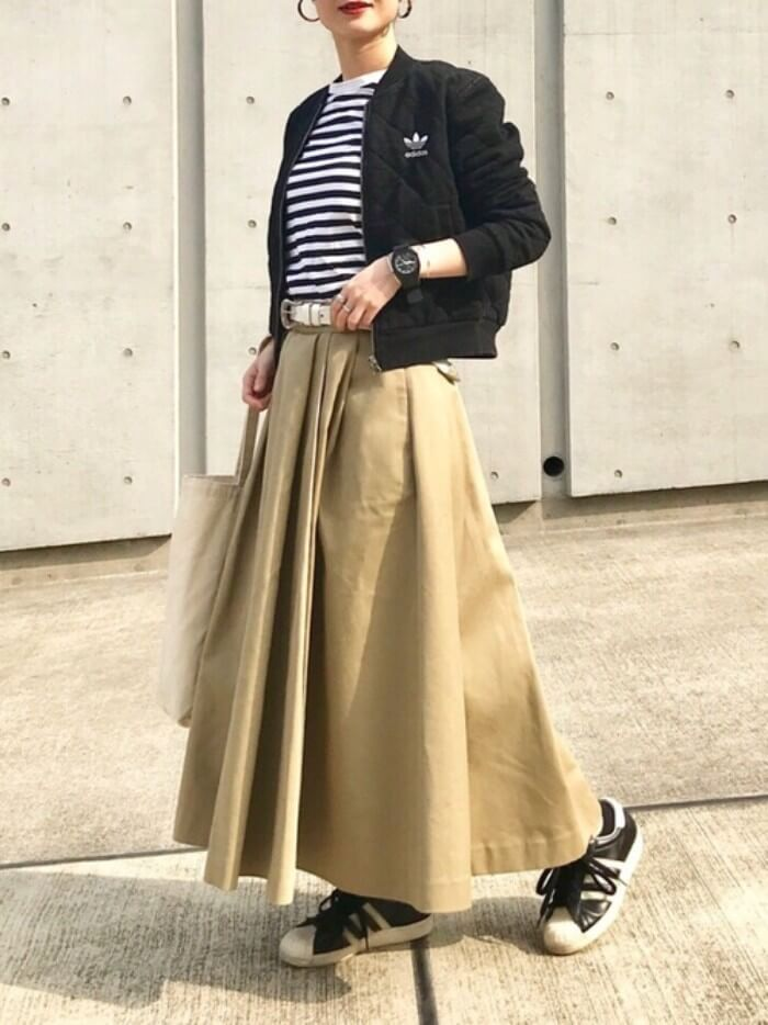 コーデ ベージュ ロングスカート Google 検索 ファッションスタイル ブルゾン レディース コーデ ファッション