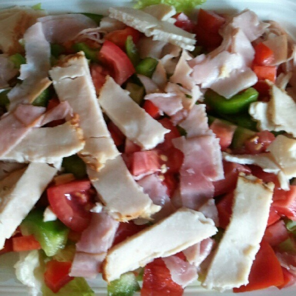░ Let's Lunch! ░ romaine with turkey, sliced ham, tomatoes, red pepper & green pepper