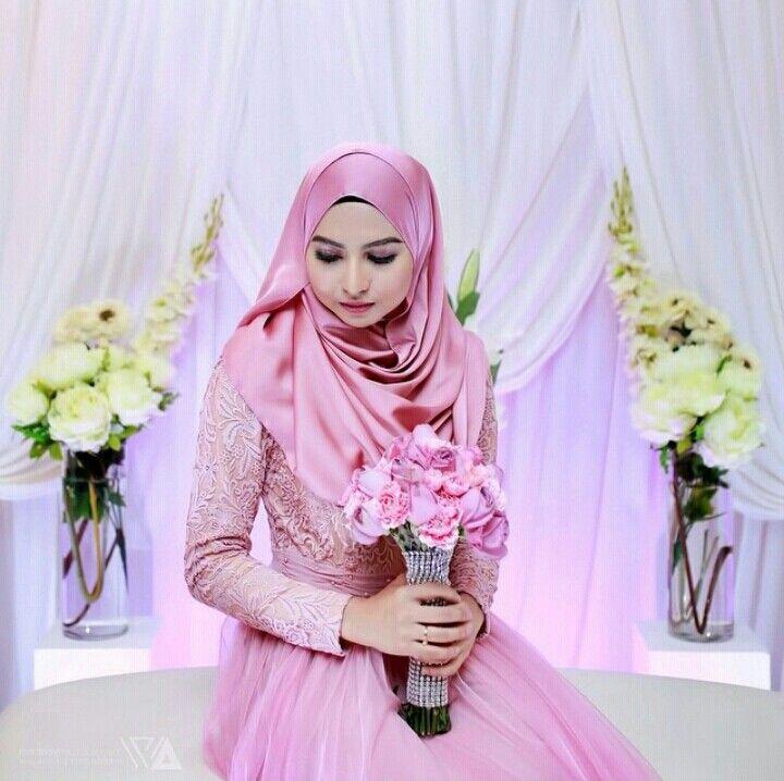 Pink bridal hijab (warnamk photography)