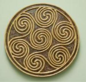 26 best images about irish style home decor on pinterest for Celtic decorations home