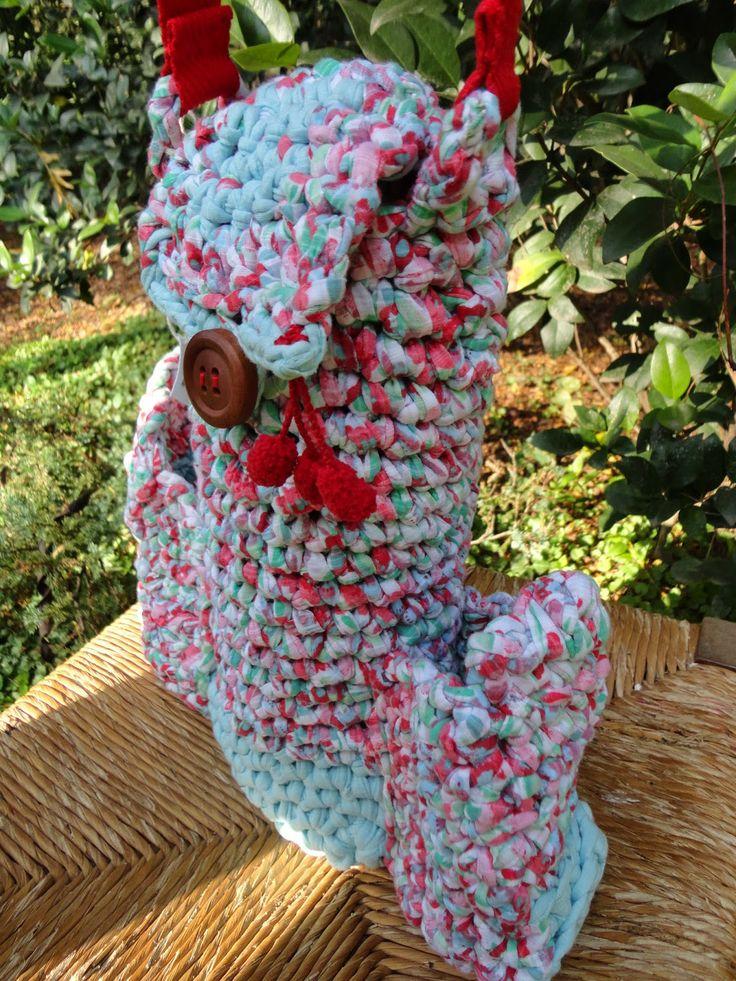 Ippomateras. Modelo Francesca, tejida al crochet con material reciclado