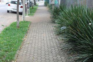 Pisos Cimentícios e Marmorizados: Calçadas que Caminhamos - Intertravado Raquete