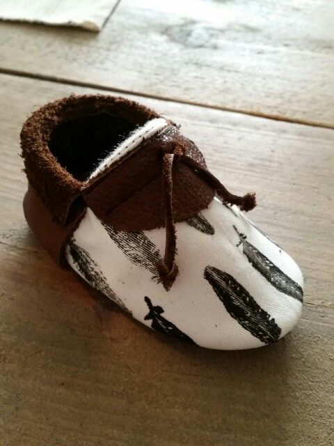 Handprinted baby mocassins  www.my-first.nl