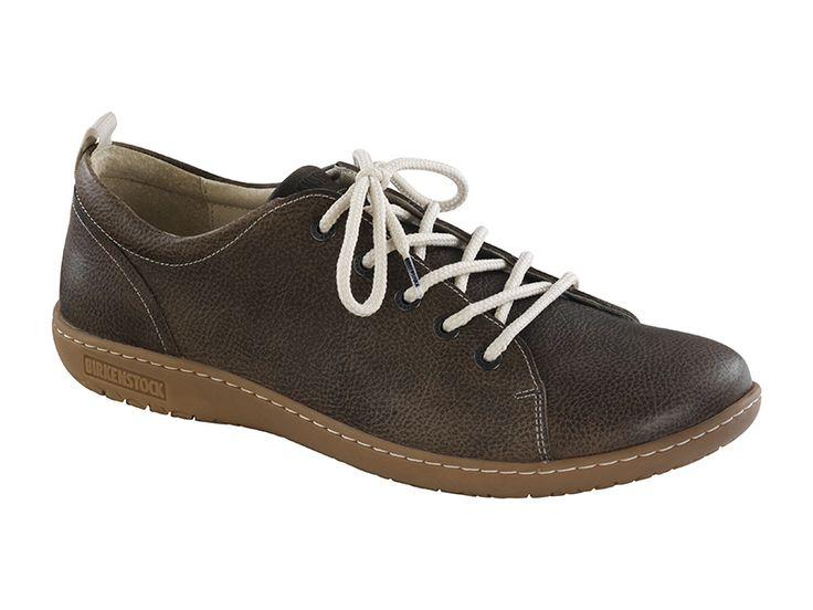 Birkenstock normál talpú, bőr férfi cipő.  http://www.komfortlabbeli.hu/birkenstock/utcai-cipok/ferfi-cipok/islay-425163-normal-talp