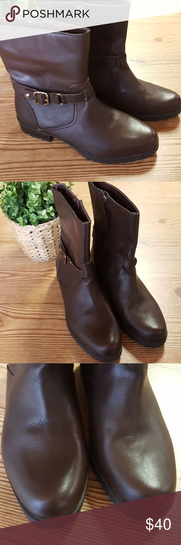 Anne Klein iFlex Leather Ankle Boots 9M Brown leather ankle boots from Anne Klein. In excellent used condition. Anne Klein Shoes Ankle Boots & Booties