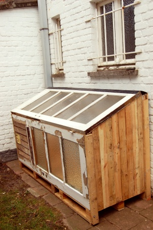 how to build a cold frame from pallets