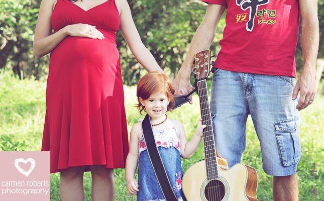 Carmen Roberts Photography, Hofland Preggie Shoot 1 - love this one. Family shoot ideas.