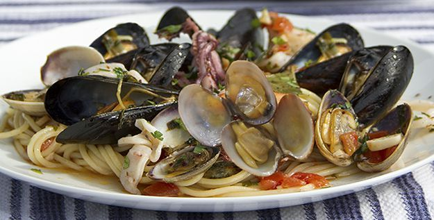 Recipe of the day: Spaghetti with Clams and Baby Squid - http://www.italianyummy.com/italianyummy/spaghetti-with-clams-and-baby-squid/