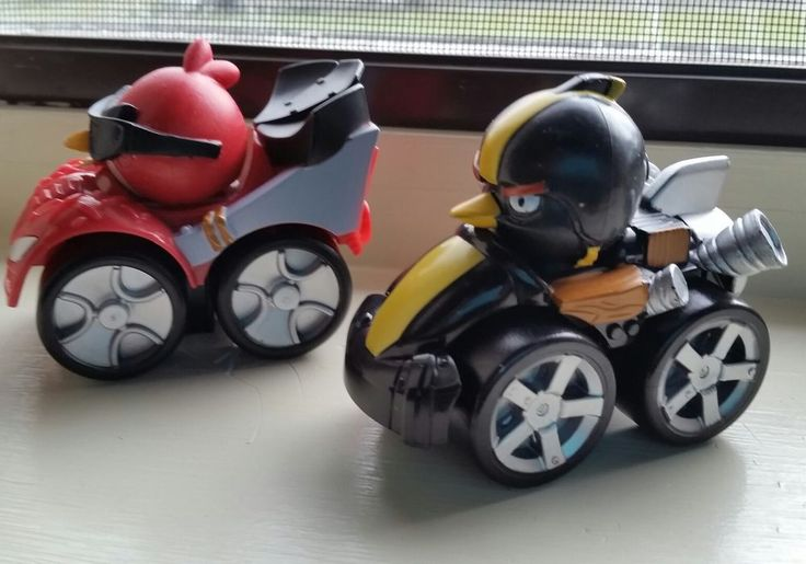 2013 Rovio ANGRY BIRDS GO  Lot of 2 Hasbro GO  KART PLASTIC CAR racers #Hasbro