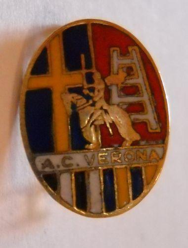 calcio distintivo spilla AC Verona Hellas old pin football badge