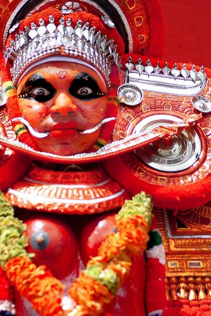 Theyyam at Onam Athachamayam in Tripunithura, Kerala by Poonam Parihar, via Flickr