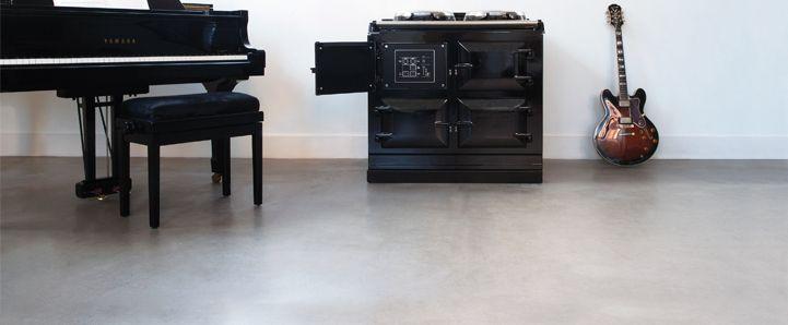 AGA Total Control showpiece in Black