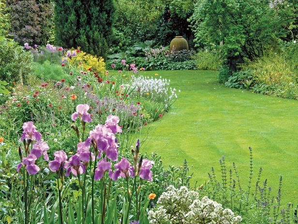 Lush Life: Using Organic Shapes in Large Gardens : Outdoors : HGTVLandscapes Art, Care Tips, Gardens Sculpture, Flower Gardens, Focal Point, Gardens Landscapes, Gardens Dreams, Dreams Gardens, Lawns Care