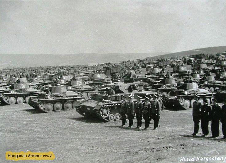 Magyar csapatok részére hivatalos kereteken belül átadott német páncélostechnika,valamint a meghívott német vezérkar és kezelőszemélyzet sorakozik Esztergomtáborban.
