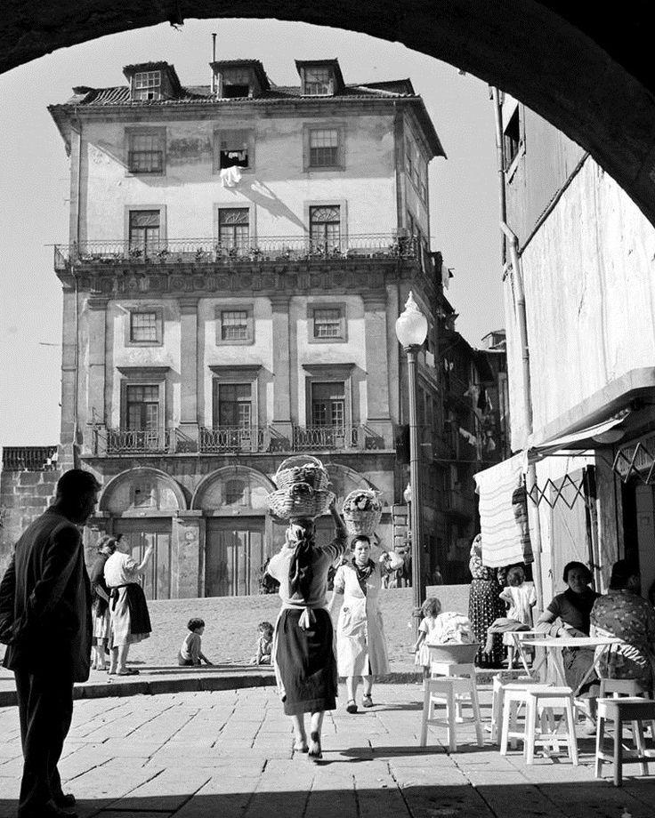 A Ribeira em 1960 www.webook.pt #webookporto #porto #vintage #ribeira