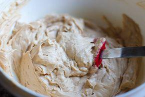 DE LEKKERST MOKKACREME mengeling van pasteibakkersroom en botercreme