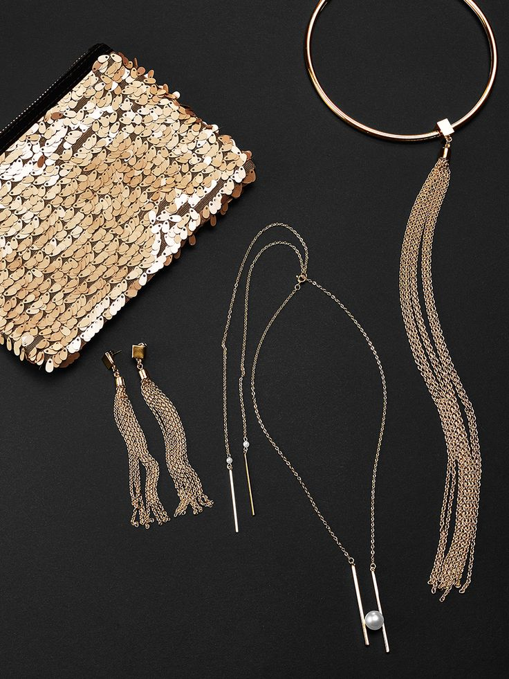 Perfect Holiday Accessories! #Gold #newyear #accessories