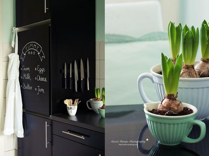 DIY Chalkboard Fridge: Kühlschrank mit Tafelfarbe bemalen