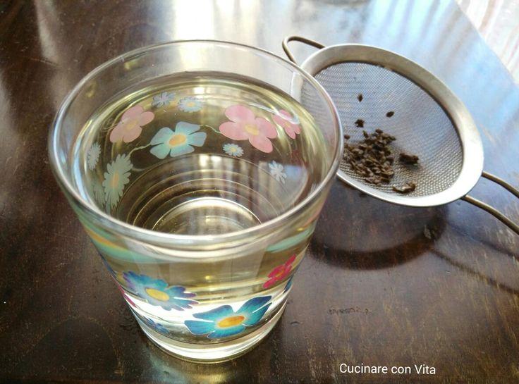 Tisania digestiva ai semi di finocchio