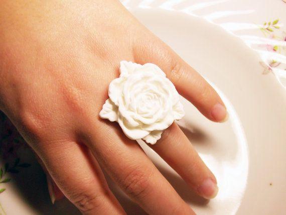 white big rose ring by rabbitsillusions on Etsy
