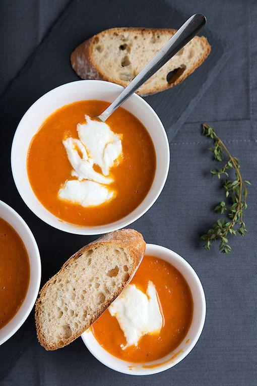 Creamy oven roasted tomato soup with mozzarella