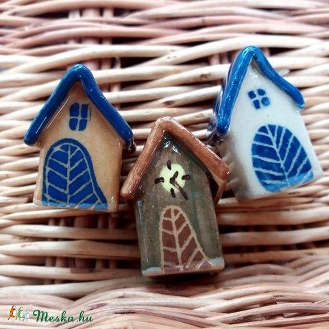 3 db Meseházikó karácsonyfadísz - Klasszikus sorozat, VEGYES (dudasemese) - Meska.hu  #mesekeramia #artsandcrafts #homedecor #ceramic #house #ceramichouse #christmas #decoration