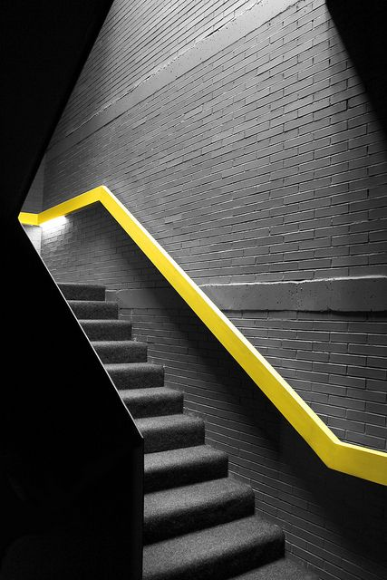 Gonzalo Martín, La Escaleras, Handrail, Stairs Yellow, Interiors Design, Pasamanos De, Yellow Design, Modern Staircase, Grey Carpet Stairs