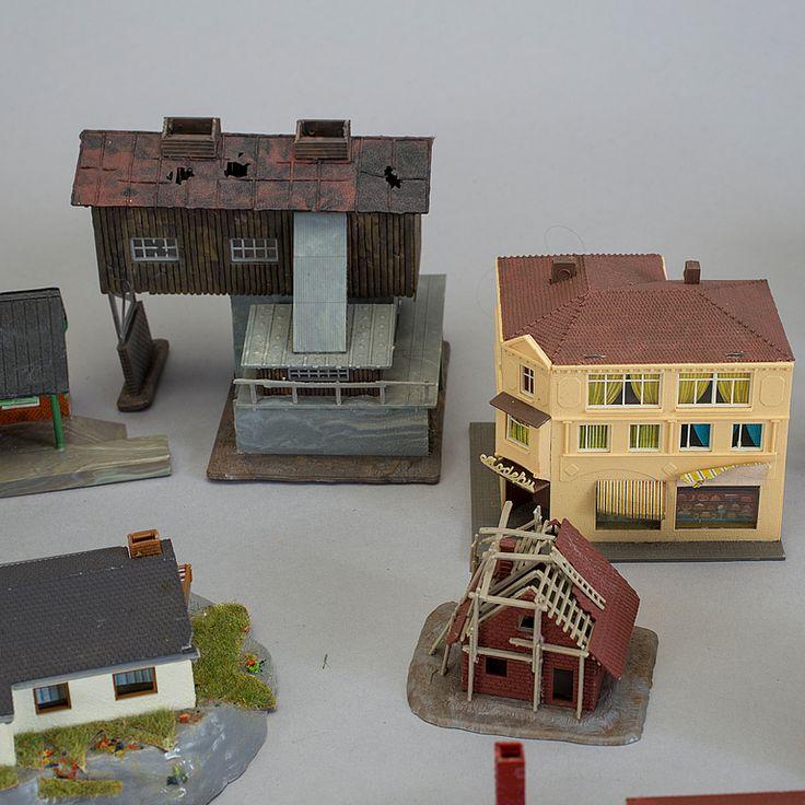 PARTI MODELLTÅG OCH TOPOGRAFI, bland annat Trix och Lima, skala N.
