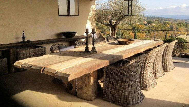 THORS Uniq table in the South of France #luxurydining #eatingout #longtables #woodentable #antiquewood