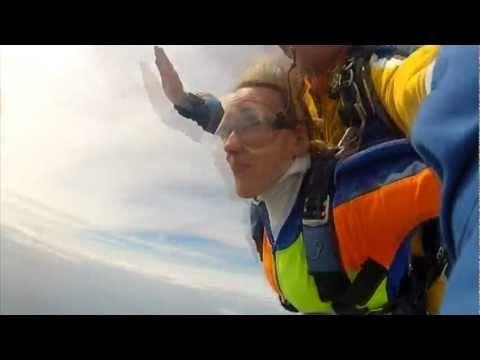Les sauts en parachute et le saut en tandem de Jessica D.