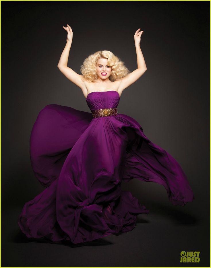 #Smash's Megan Hilty on the cover of 'Emmy' magazine.  http://www.justjared.com/2012/06/05/katharine-mcphee-megan-hilty-cover-emmy/: Beauty Women, 20 Fashion, Beauty Dresses, Beauty People, Hilti Smash, Amazing Megan, Smash Megan, Megan Hilti, Beauty Woman