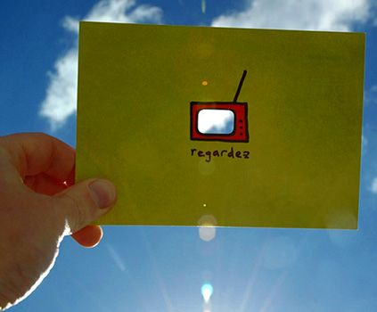 Promotional card for regardez - a motion design company © intwodesign