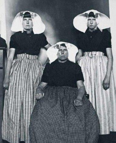 Afbeeldingsresultaat voor boeren kleding begin 20ste eeuw