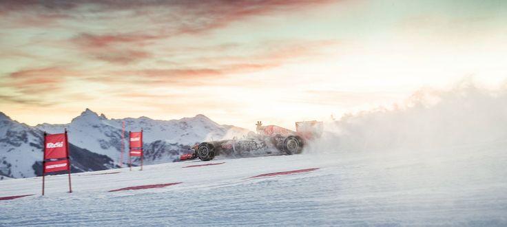 GALERIE: Tomu neuvěříte: Formule 1 se nebojí sněhu, řádí na sjezdovce v Alpách (videa) | FOTO 18 | auto.cz