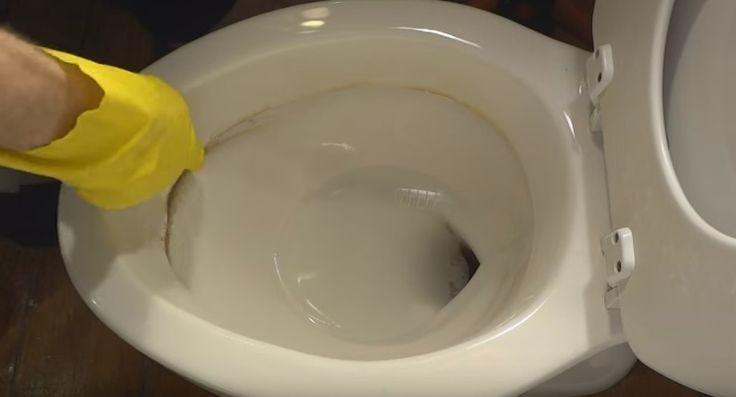 Donkere kringen in een toiletpot? Haal ze heel gemakkelijk weg met deze tip!