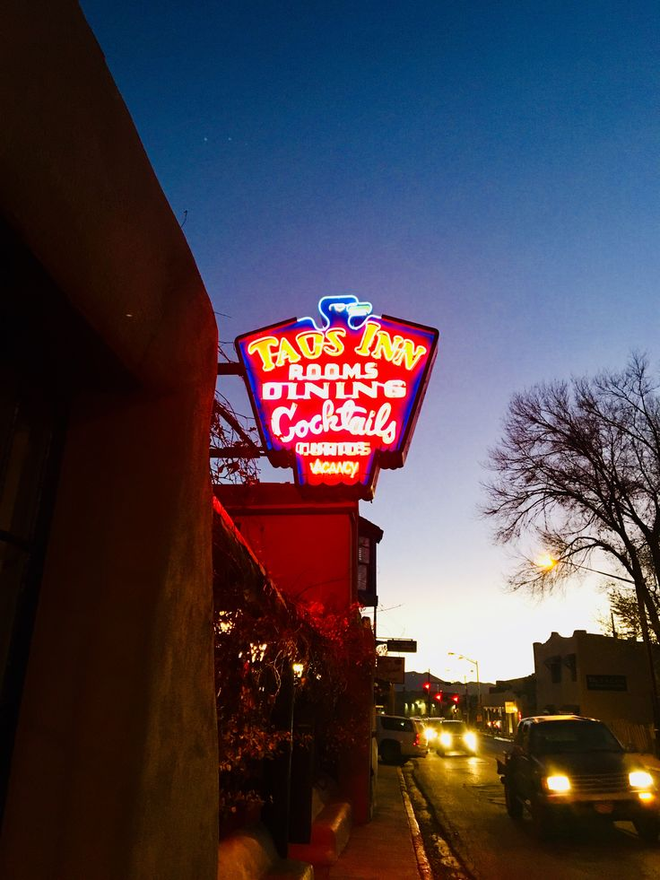 11.18.17 Next on the docket was the Taos Inn for a margarita (its New Mexico, people). Doc Martin purchased the original portion of the structure in the 1800s as the first (and only) physician in the country. The history of the Inn was right up our alley. The vibe...not so much.