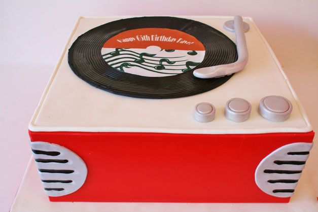 Birthday Cakes NJ - 1950s Record Player Custom Cakes