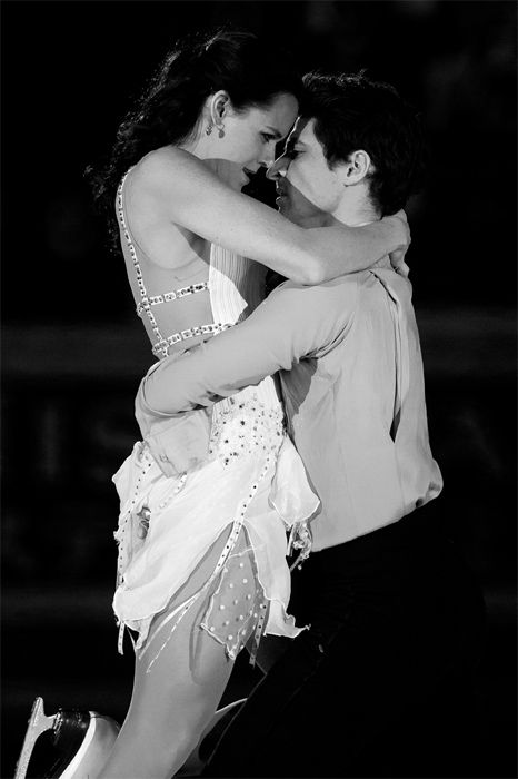 Tessa and Scott perform their exhibition 'Hallelujah' in Moscow, Russia.  Photo by Elina Paasonen.