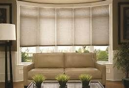 Window Treatments for Bow Windows in Living Room ...